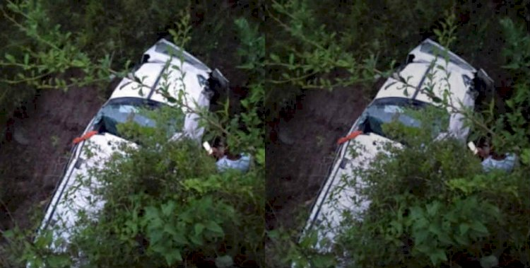 चमोली:देवाल -मुन्दोली मोटरमार्ग पर वाहन दुर्घटनाग्रस्त