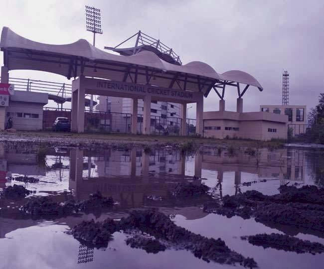 देहरादून: 300 करोड़ की लागत से बने अंतर्राष्ट्रीय क्रिकेट स्टेडियम के हाल तो देखो