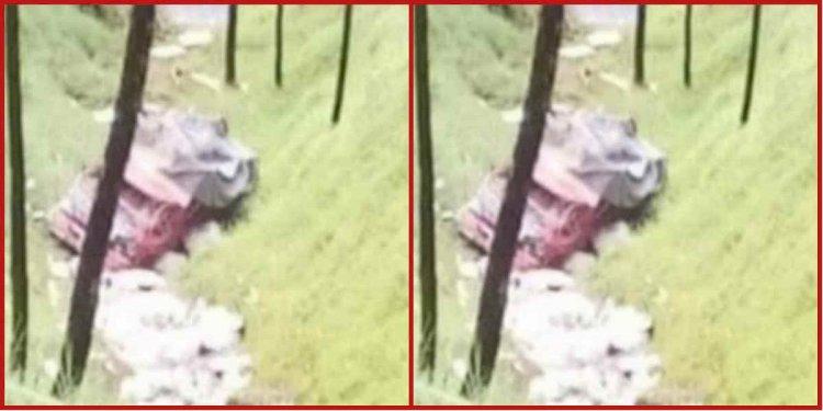 बागेश्वर: खाई में गिरा ट्रक, एक की मौत एक घायल
