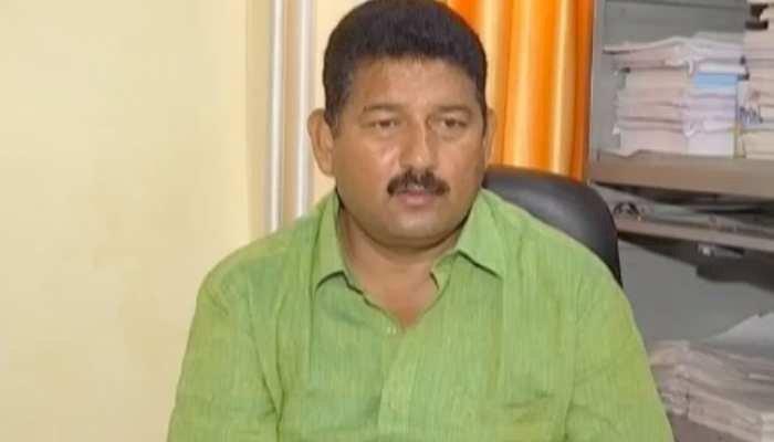 विधायक महेश नेगी के खिलाफ धरने में बेटी के साथ पहुंची पीड़िता, देखें वीडियो