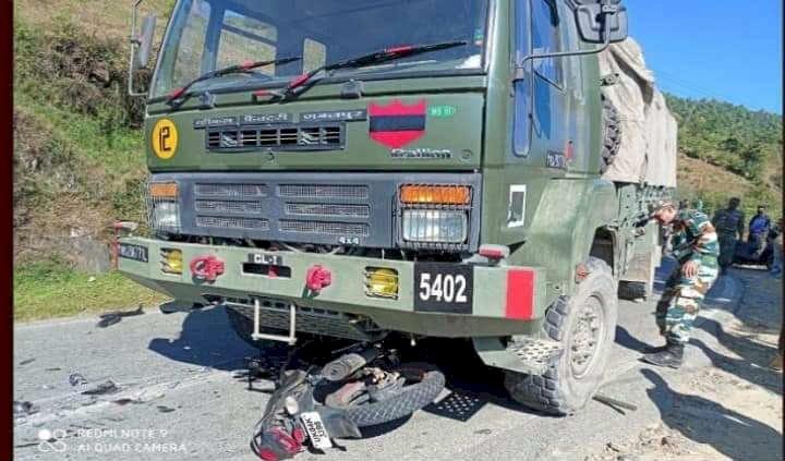 लोहाघाट: बाइक आई सेना के वाहन के नीचे, युवक की मौत
