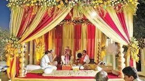 कोरोना के चलते उत्तराखंड में हुई अनोखी शादी, बारात लेकर दुल्हन गई दूल्हे के घर