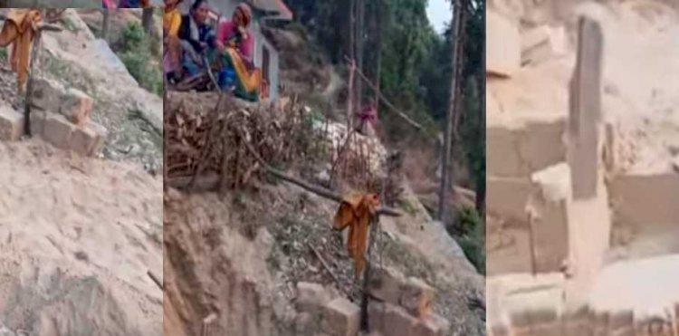 चंपावत: सपने में देखी जगह पर खुदाई की तो मिला सैकड़ों साल पुराना मंदिर