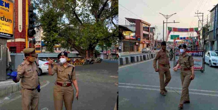 ताकि हौंसला और कानून- व्यवस्था दोनों बने रहें: डीआईजी नीरू गर्ग खुद उतरीं सड़कों पर