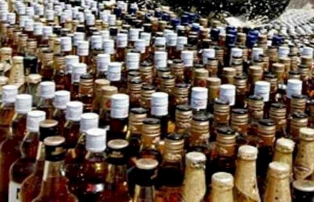 उत्तराखंड: कर्फ्यू के दौरान ले जा रहा था शराब का जखीरा, धरा गया