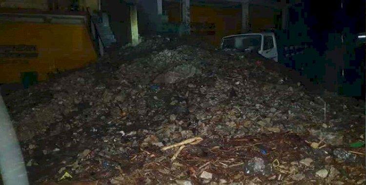 बड़ी खबर:घनसाली में बादल फटने से तबाही, मलबे में फंसे वाहन