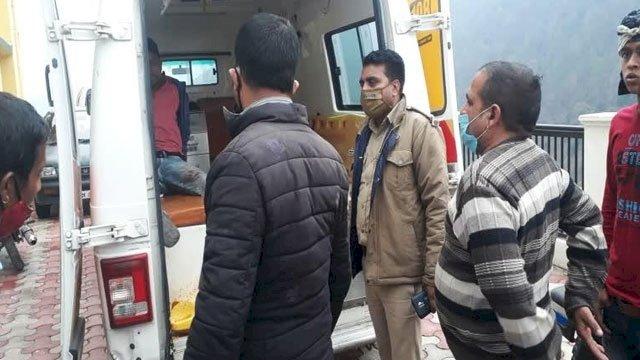 नैनीताल: खाई में गिरी बोलेरो, तीन की मौत, 6 घायल