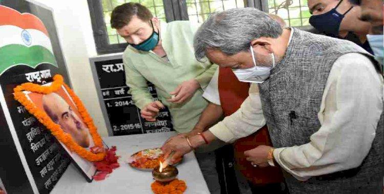 डॉ. श्यामाप्रसाद मुखर्जी के बलिदान दिवस पर सीएम ने दी श्रद्धांजलि