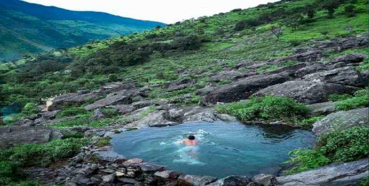 उत्तराखंड:  इस स्वीमिंग पूल की खूबसूरती पर मुग्ध हुए  आनंद महिंद्रा, आना चाहते हैं देखने