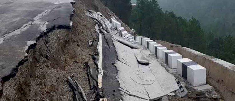 उत्तराखंड: 86 करोड़ की लागत से बनी सड़क के हाल तो देखो..!