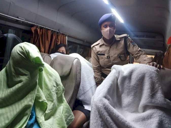 हल्द्वानी: स्पा सैंटर में चल रहा था सैक्स रेकैट, नौ लड़कियों समेत 11 लोग गिरफ्तार