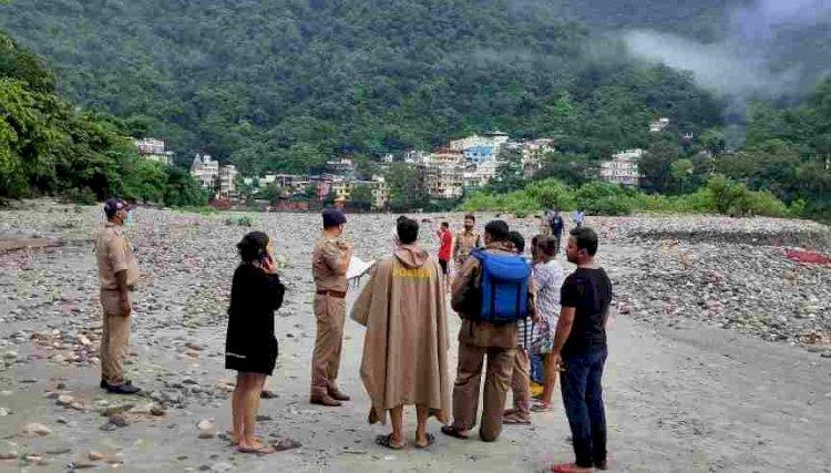 बड़ी खबर: नहाते समय गंगा में बह गए  मुंबई के तीन पर्यटक