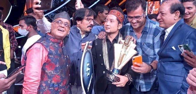 बधाई हो उत्तराखंड! पवनदीप राजन बने इंडियन आइडल सीजन 12 के विजेता