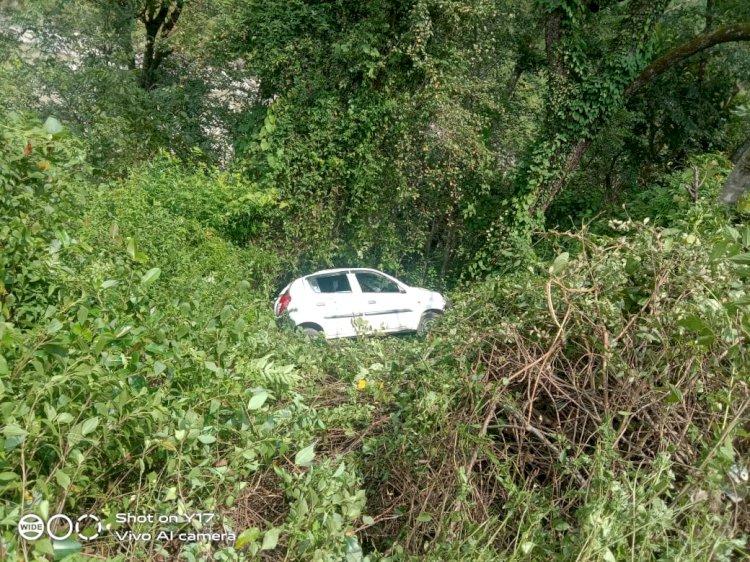 ब्रेकिंग: थराली में आल्टो कार खाई में गिरी, पांच लोगों को लेकर बागेश्वर जा रही थी कार