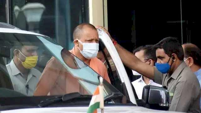 घायल पीएसी सिपाही को देख सीएम योगी ने रुकवाया वाहन, फ्लीट में शामिल एम्बुलेंस से भेजा अस्पताल